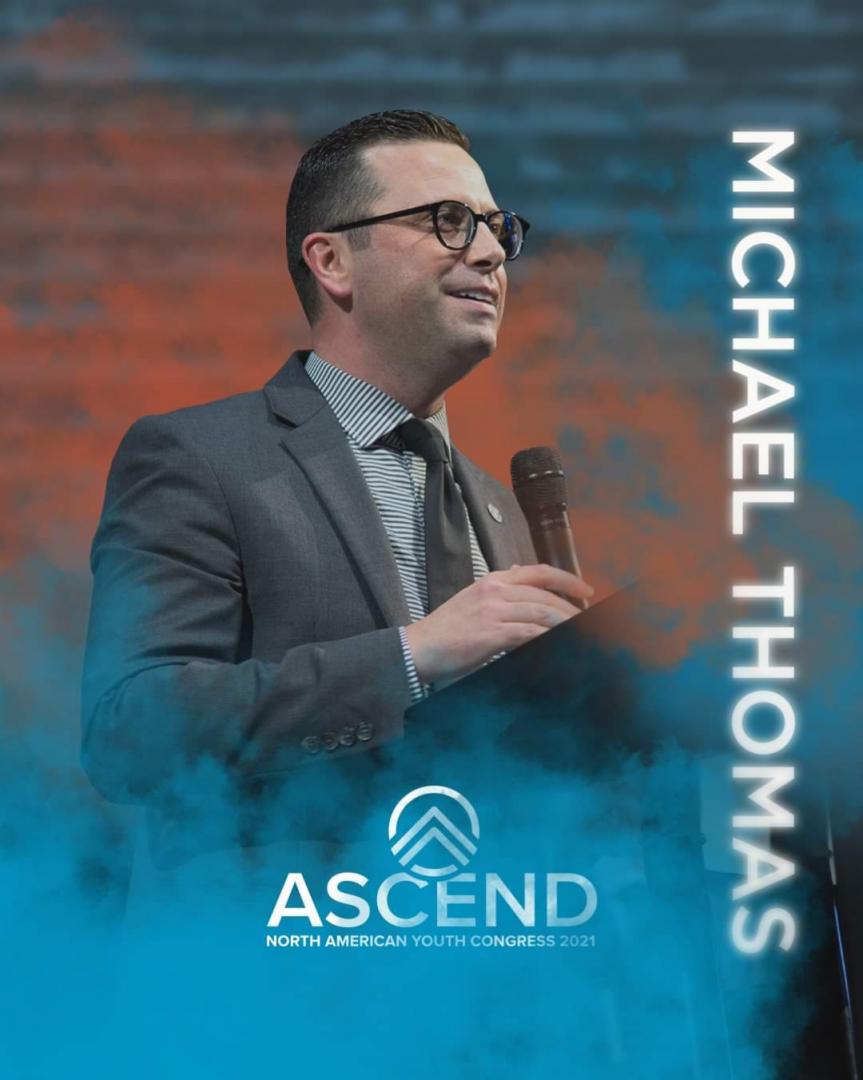 Pastor. Michael Thomas Presidente de los jóvenes